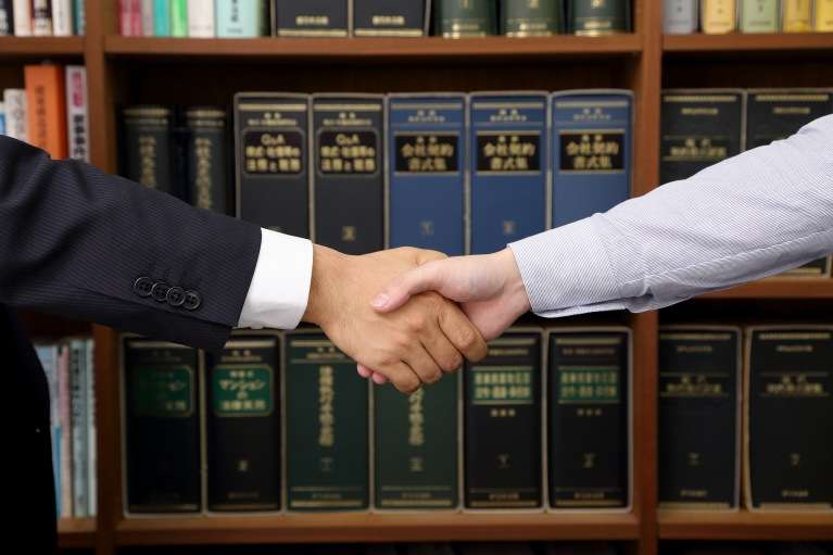 労働問題に関して弁護士に相談するメリット
